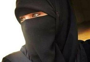 «Попаду в тюрьму из-за хиджаба»: международный арбитр по шахматам боится возвращаться из Владивостока в Иран
