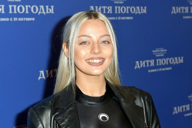 «Инопланетная»: экс-солистка «Серебра» Катя Кищук показала пышную грудь