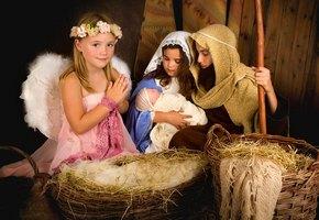 Двухлетняя девочка похитила младенца Иисуса прямо во время выступления