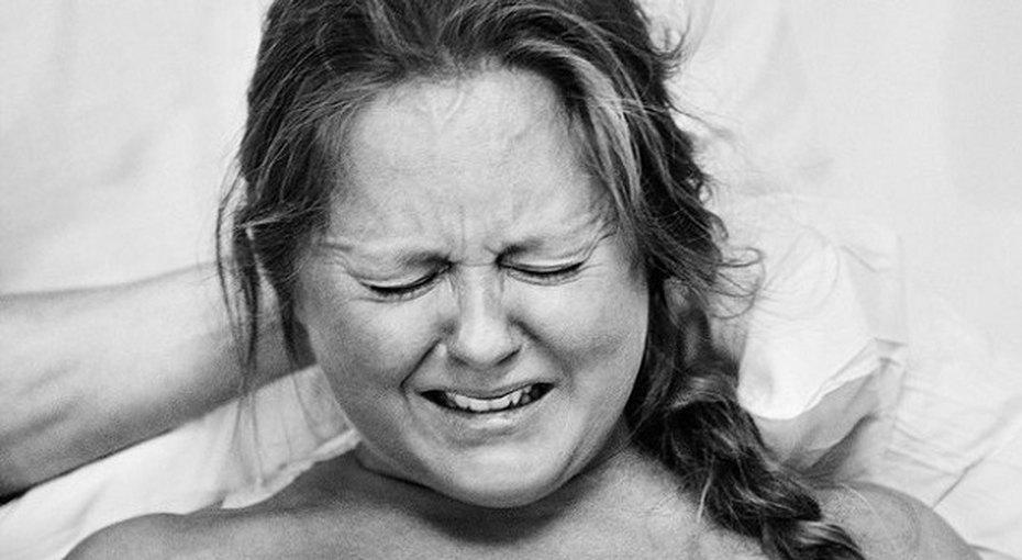 Шведский фотограф показала лица женщин во время родов