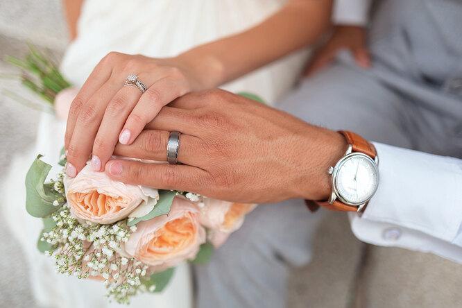 17 годовщина свадьбы: как называется, что подарить, традиции