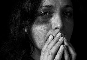 Помощь лучше разговоров: чего не стоит говорить о домашнем насилии