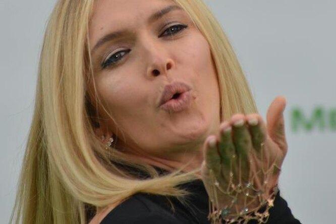 «А веснушки какие!» Вера Брежнева выложила честное селфи