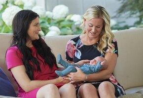 Женщина пожертвовала свою матку незнакомке и исполнила ее мечту о материнстве