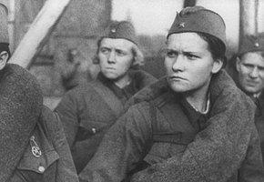 «И ехали девушки домой с прибавлением семейства»: походно-полевые жены на войне
