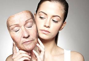 Дело не в возрасте: почему общество обесценивает молодых и пожилых женщин?