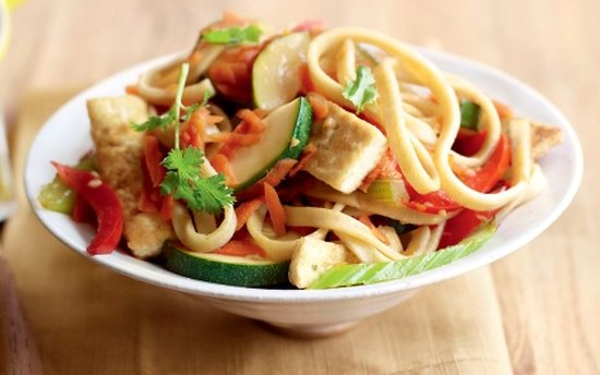 Лапша с овощами и сыром тофу