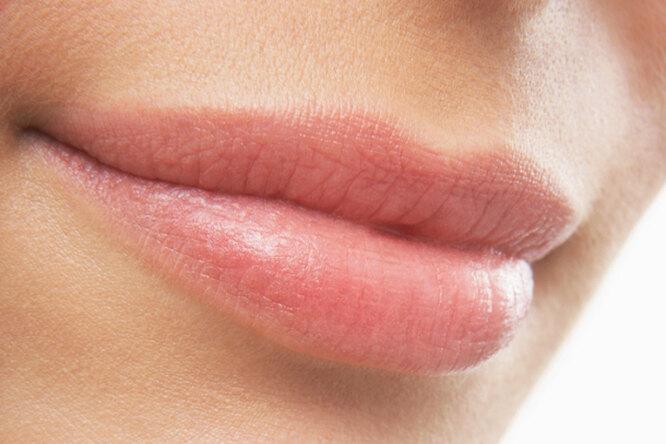 Как устранить сухость ишелушение губ? 7 домашних рецептов