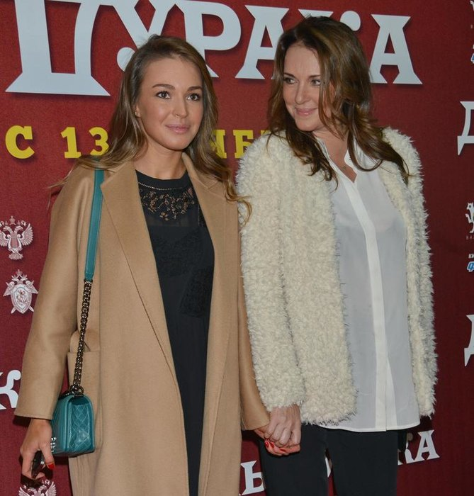Татьяна Лютаева сдочерью Агнией