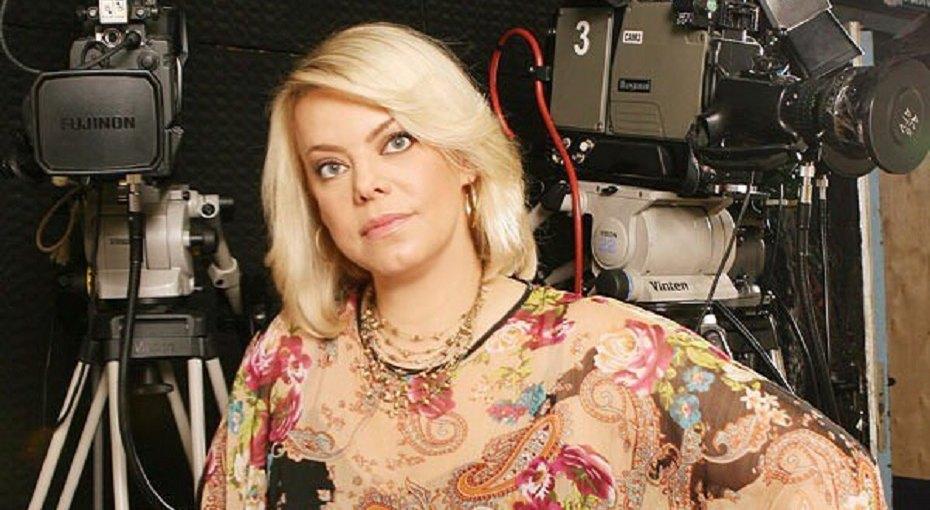 «Нам нужно обняться»: 51-летняя Яна Поплавская показала фото смолодым возлюбленным