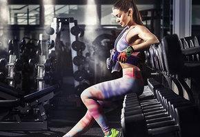 Парфюм, кеды и другие вещи, которые не стоит брать в спортзал