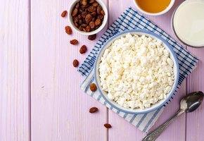 С чем съесть творог? 10 вкусных идей на завтрак, обед и ужин