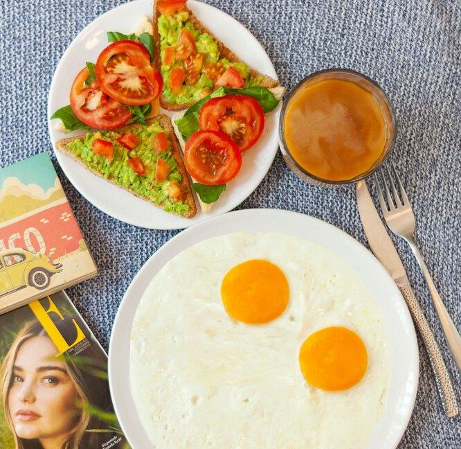 Фото: продукты и витамины для волос