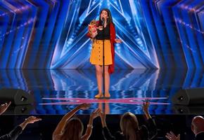 «Вторая Селин Дион»: поющая чихуахуа покоряет американскую сцену