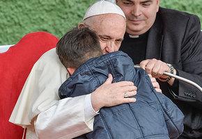 Мальчик переживал, что душа его отца-атеиста не попала в рай. И вот что ответил ему Папа Римский