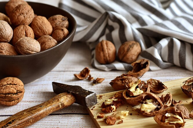 грецкие орехи, грецкие орехи целые, скорлупа орехи грецкие