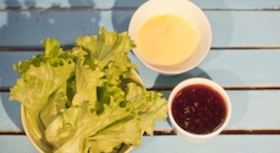 Вкусные соусы кмясу: клюквенный иголландский