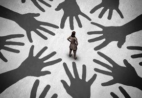 Почему женщины в поисках сильного мужчины притягивают «хищников»?