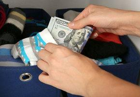 Куда прятать деньги? 9 отличных тайников