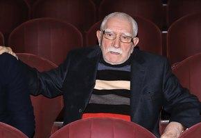 83-летний Армен Джигарханян выписался из больницы и заметно похудел