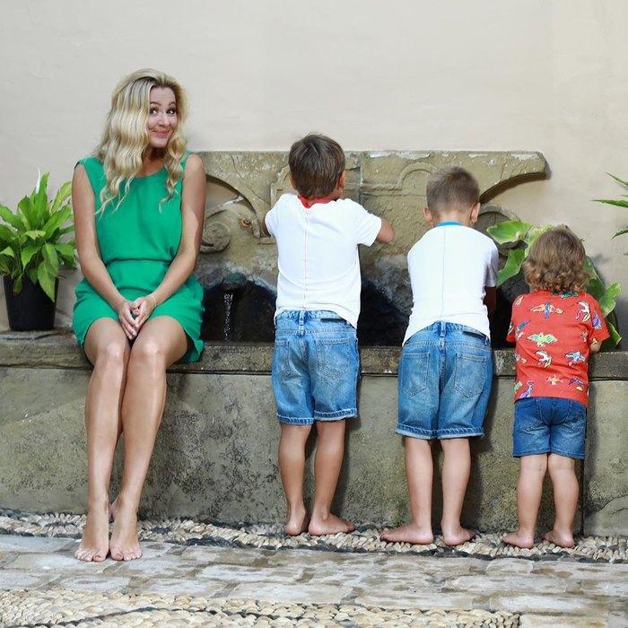 Мария ссыновьями фото