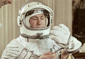 «Кроме того, художник». История космонавта Леонова