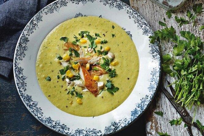 Рецепт кукурузного супа с копченой рыбой