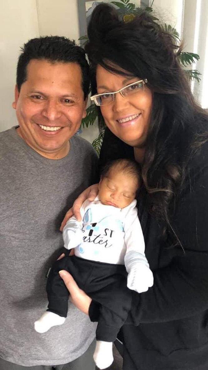 Шантель с мужем и сыном