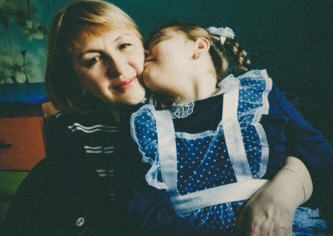 Основная забота о Насте — на плечах Елены Фото: Мария Ионова-Грибина для ТД