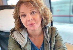 «Как вы похожи!» 57-летняя Елена Валюшкина показала редкое фото 17-летней дочери