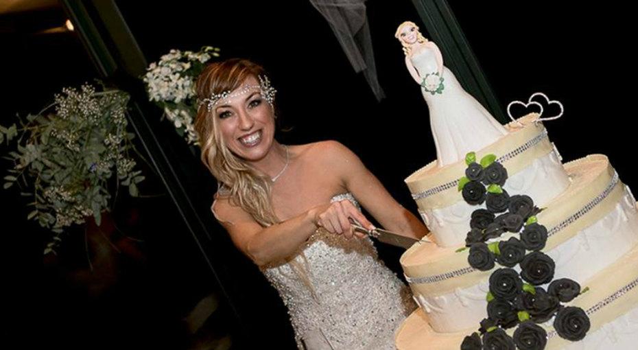 Сорокалетняя женщина устала ждать принца ивышла замуж засебя