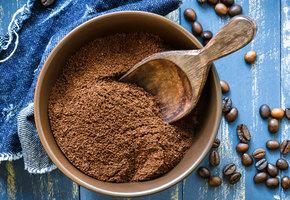 Суперспособ использования кофейной гущи – красим волосы