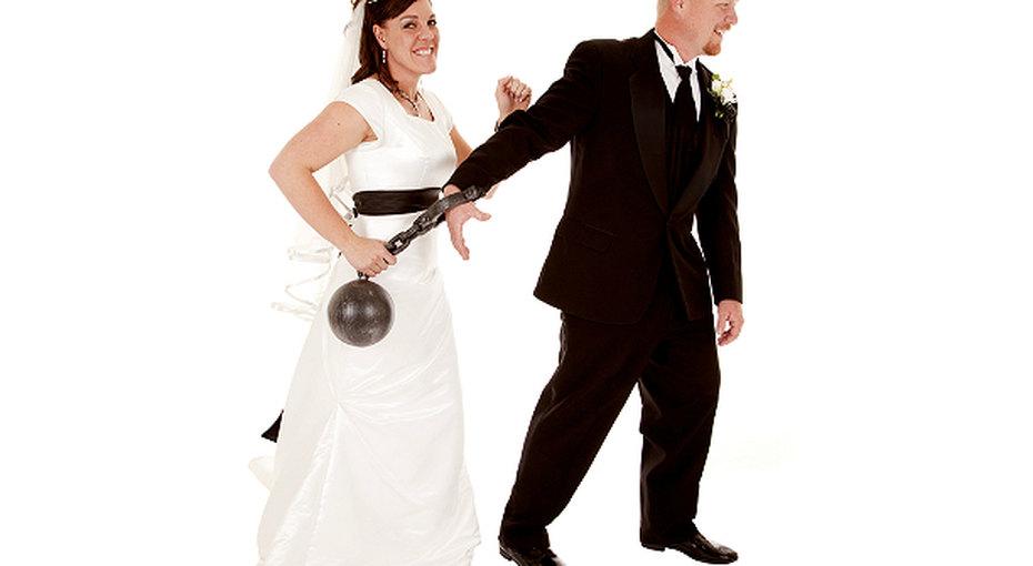 Как женить его насебе: советы из90-х