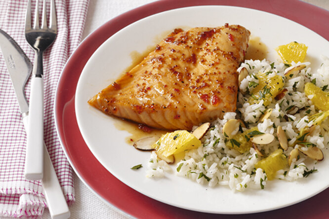 Стейки лосося с рисом