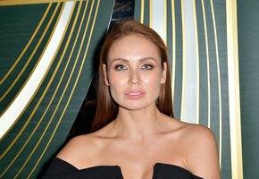 Ляйсан Утяшева показала архивное фото с мамой в её день рождения