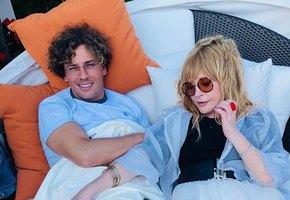 «Кто заметил киноляп?» Максим Галкин показал юмористическое видео с Лизой и Гарри