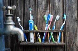 15 гениальных применений зубной щетки, окоторых вы неподозревали