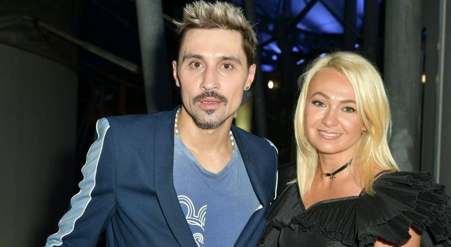 «Его торс, мои ноги»: 44-летняя Яна Рудковская выложила эффектное фото сДимой Биланом