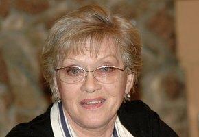 Алиса Фрейндлих встретила правнучку изроддома