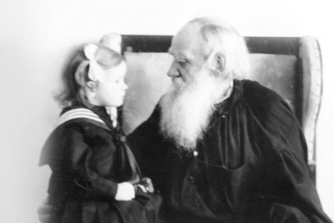 «Он несмотрел наребенка сверху вниз. Ему важен был разговор наравных»: Фёкла Толстая опедагогике Льва Толстого