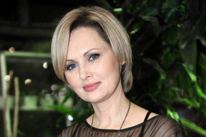 «Я решила подчиниться»: Елена Ксенофонтова впервые рассказала орасставании