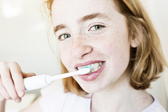 За ипротив: стоит ли покупать электрическую зубную щетку?
