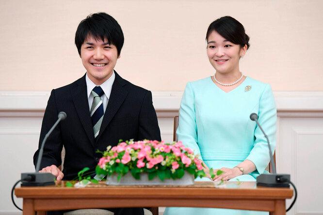 Мако Акисино и Кея Комуро