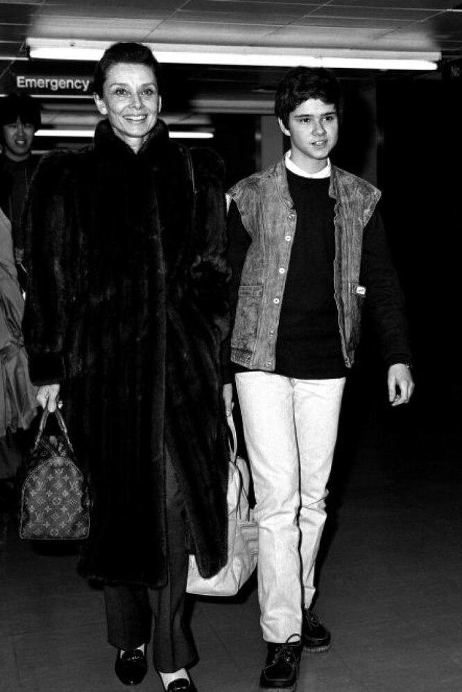 Одри с сыном Лукой
