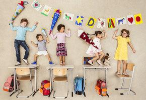 Для тех, кто только что вспомнил: что подарить на День учителя?