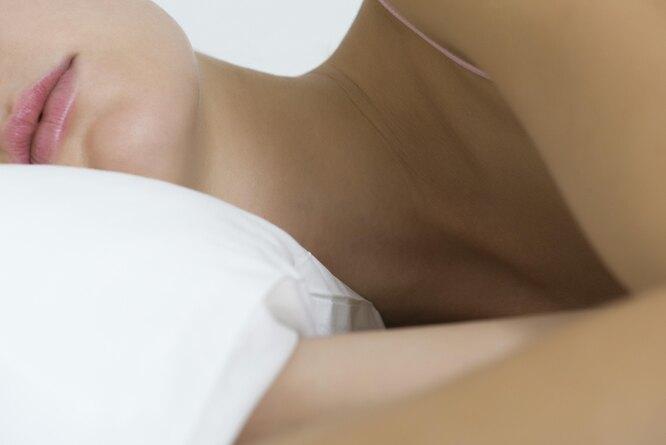женщина спит, спящая женщина, сон