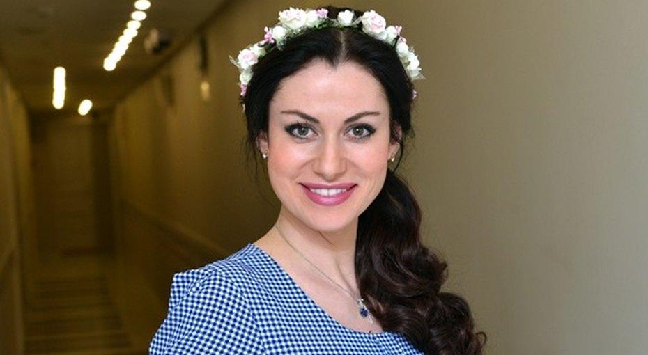 horoshenkaya-aktrisa-v-domashnem-video-porno-kak-kitaytsi