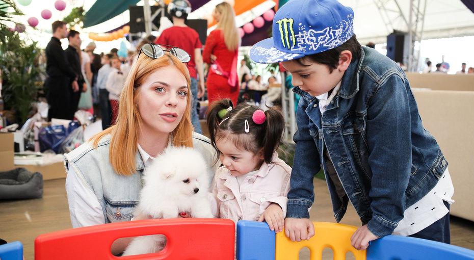 Анастасия Стоцкая, Екатерина Стриженова иМария Кожевникова получили «семейные» награды