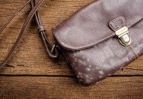 20 лайфхаков, которые помогут вам ухаживать за любимой сумкой