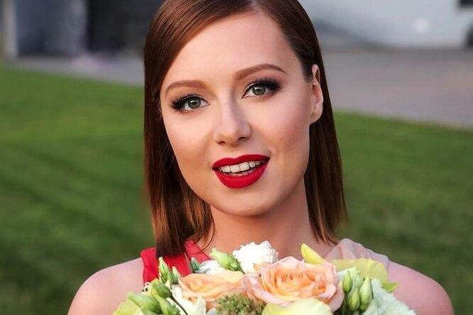 «Меня нелюбили одноклассники»: Юлия Савичева рассказала ошколе